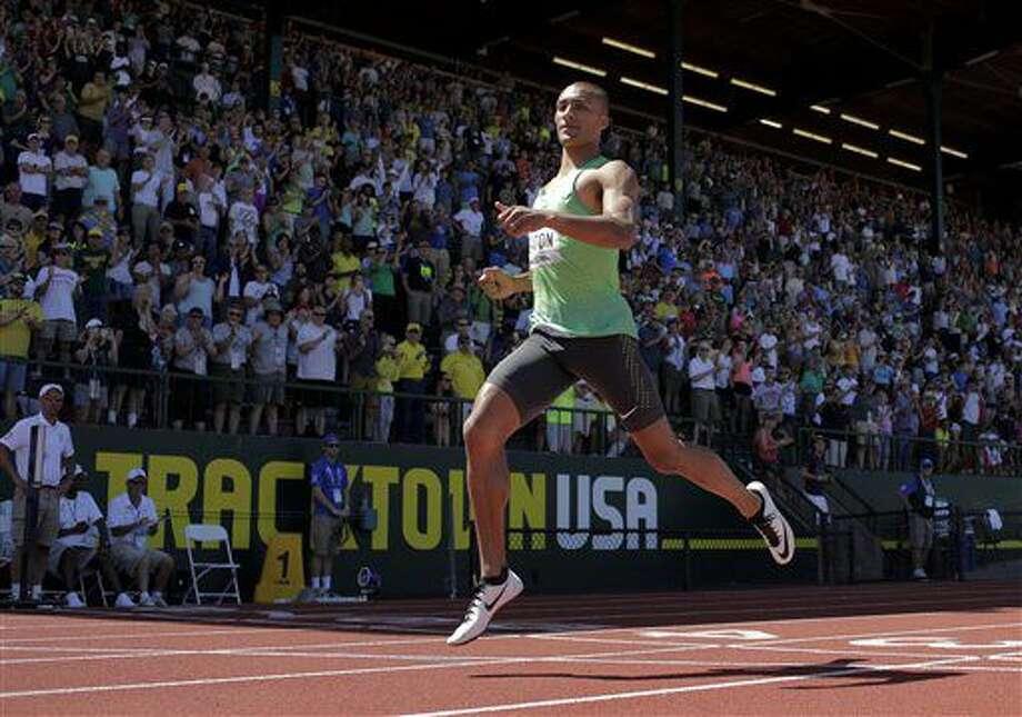 Ashton Eaton gana la carrera de 400 metros en el decatlón en las Pruebas de Pista y Campo de Estados Unidos _selectivas para los próximos Juegos Olímpicos_ efectuadas en Eugene, Oregon, el sábado 2 de julio de 2016. Los competidores estadoundienses consideran que el campeón olímpico y mundial jamaicano Usain Bolt, que dice estar lesionado, asistirá a los Juegos Olímpicos de Río. (AP Foto/Matt Slocum) Photo: Matt Slocum