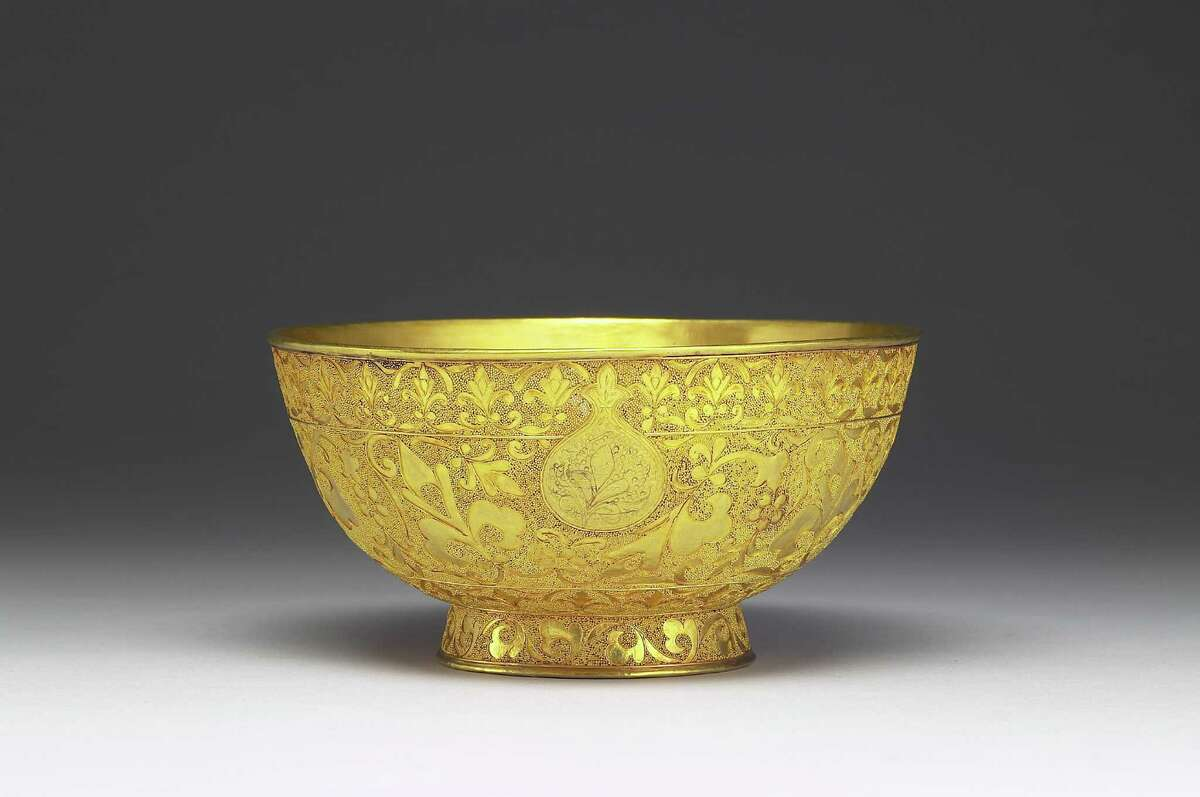 Gold Bowl Used Personally by the Qianlong Emperor, Qing dynasty, reign of the Qianlong emperor,1735�-96, gold, National Palace Museum, Taipei. Image  National Palace Museum