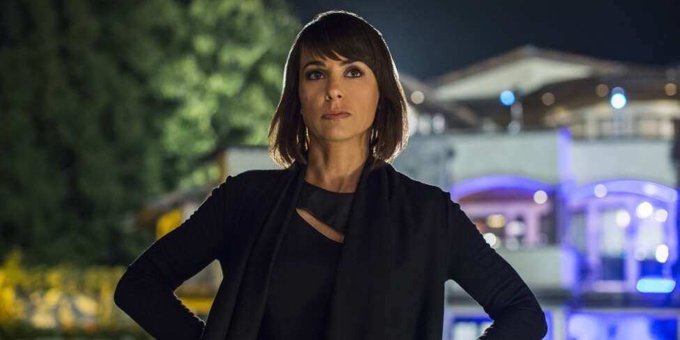 CONSTANCE ZIMMER (UnREAL) - Long a fan of this TV workhorse. And now she's found the role that fits her like an iron glove. Quinn is that person you never want to be, but secretly want to be. Zimmer is actually a co-lead, but relegated here for a better shot at a nomination. She more than deserves it.