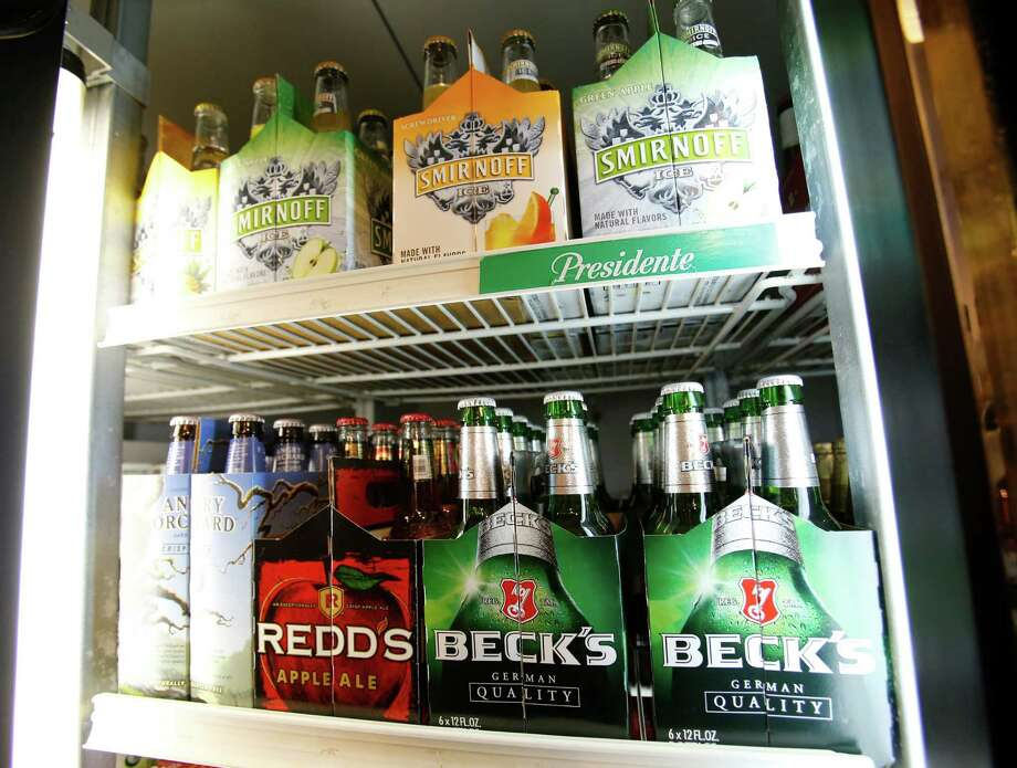 Twenty-five businesses across Stratford passed recent alcohol compliance inspections held by Stratford Police. Photo: File Photo / AP