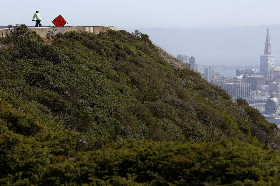 Jeffrey Perrone rides his bicycle at Twin Peaks in San Francisco, California, on Wednesday, July 13, 2016. Photo: Connor Radnovich, The Chronicle