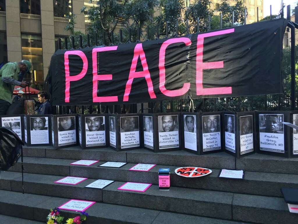 Officers outnumber demonstrators at SF vigil - Houston Chronicle