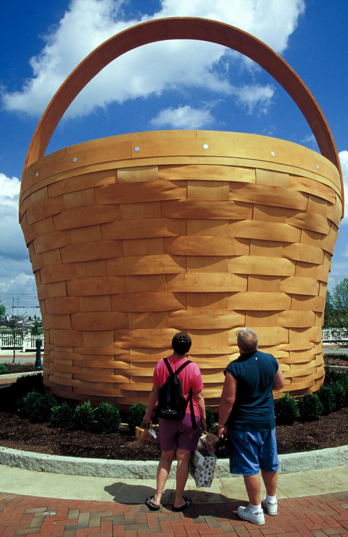 The 20-foot-high Longaberger Homestead in Frazeysburg, Ohio, offers shopping, dining and the opportunity to try basket weaving. (Photo by: Jeff Greenberg/UIG via Getty Images)