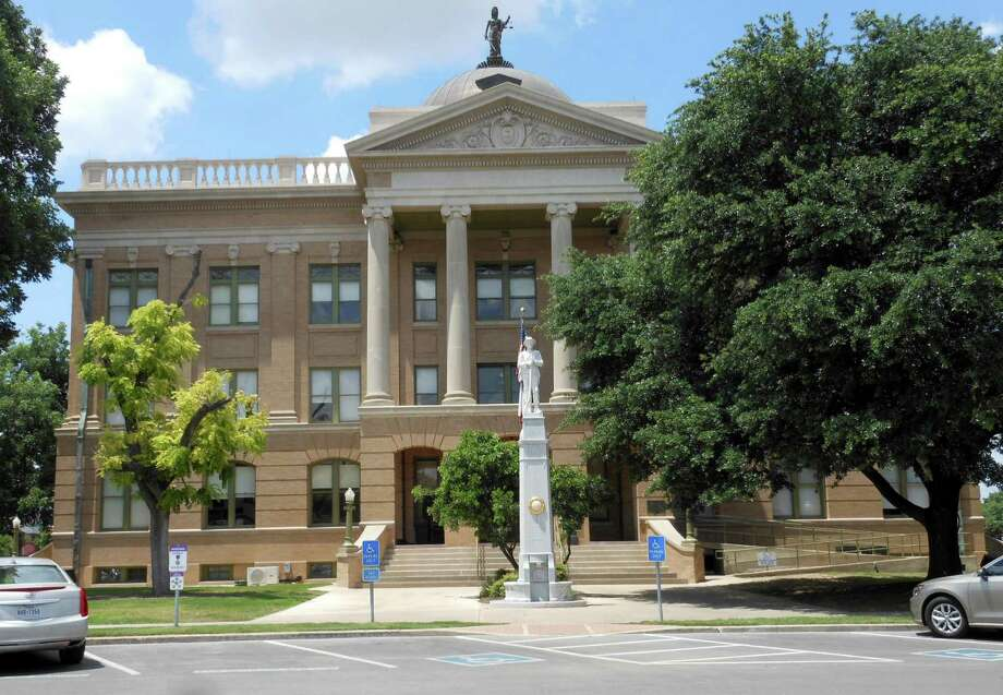 This classical revival structure Georgetown courthouse building was completed in 1911 and sits in the center of the town square. Photo: Janet Terry /San Antonio Express-News