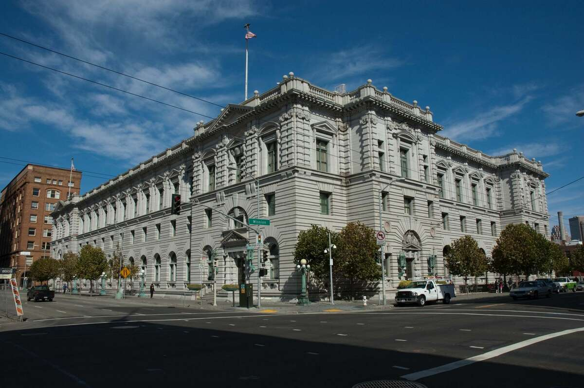 Exterior photo of the 9th Circuit Court of Appeals at 7th and Mission Streets, San Francisco. Built in 1905, it survived the earthquake and fire one year later.