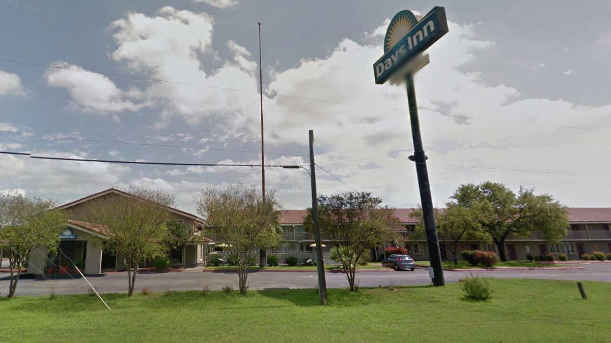 Days Inn: 1500 IH 35 S., San Antonio, TX 78204 Date: 01/23/2018 Score: 71 Highlights: Inspector observed