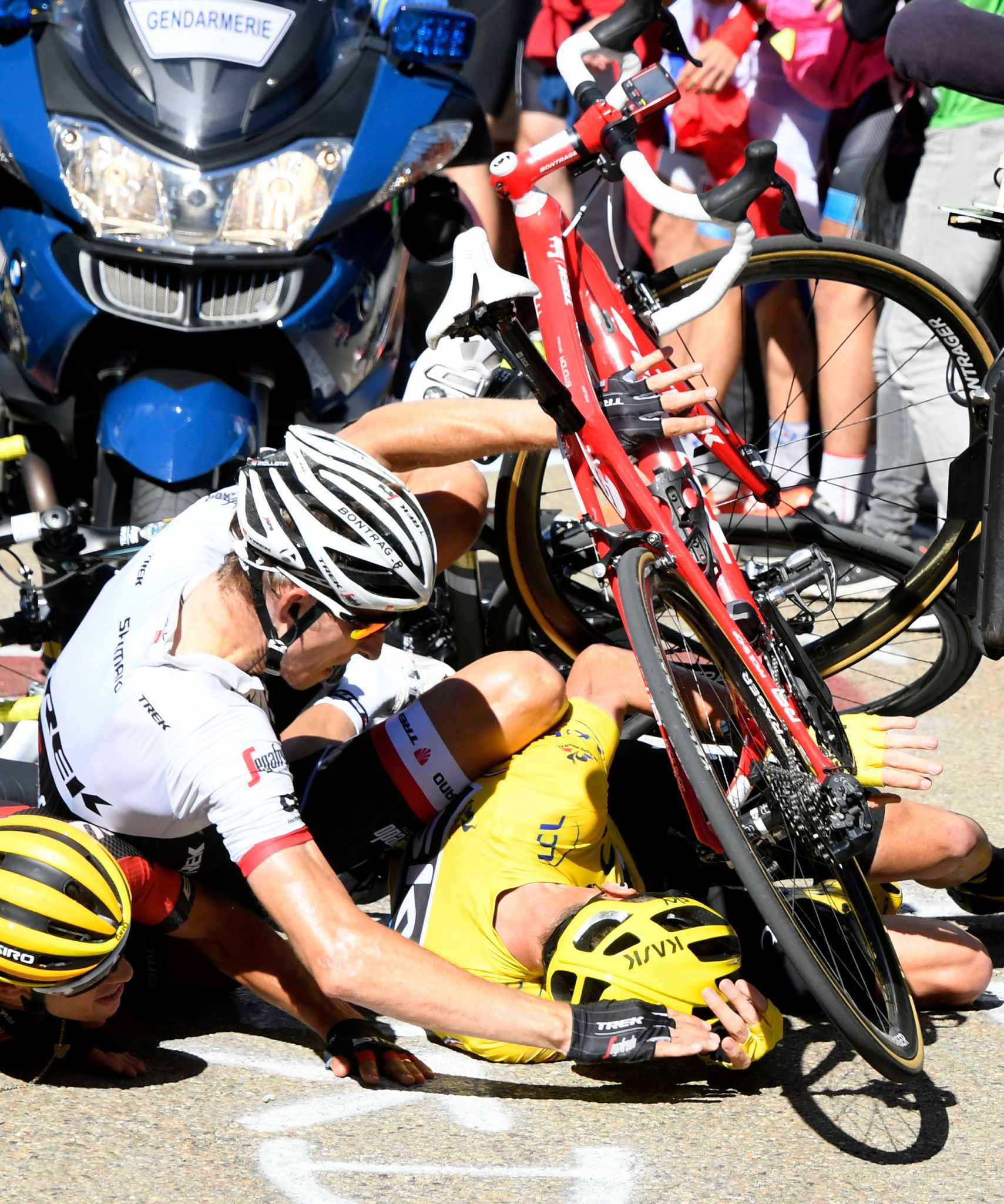 Froome crashes keeps his lead times union for Richie porte salary