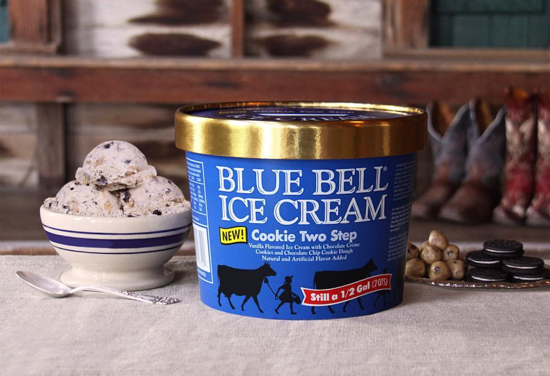 Blue bell ice cream announces new cookie two step flavor for Christmas cookie blue bell ice cream