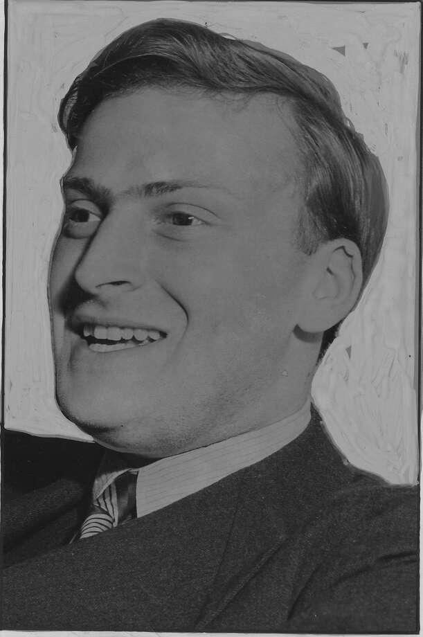 Yehudi Menuhin in 1941 photo.