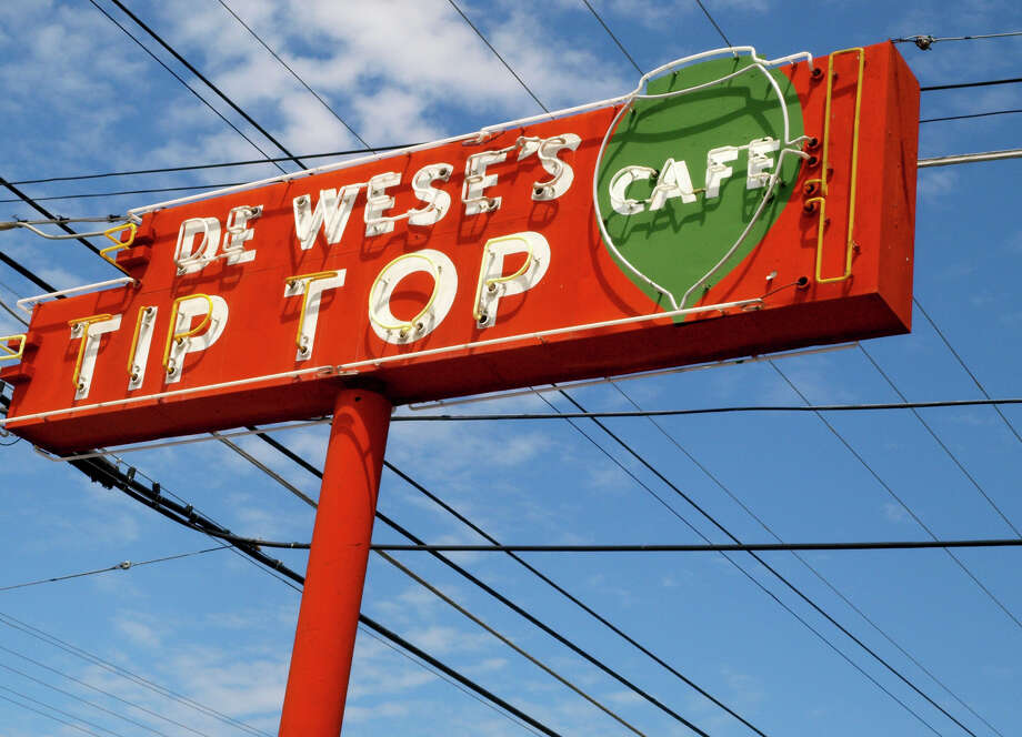 Des Wese's Tip Top Cafe's decision to close a month ago due to the coronavirus pandemic was so unheard of for the 82-year-old business that management compared the moment to San Antonio's historic 1985 snowfall, but the famous chicken fried steak is back. Photo: Express-News Files / SAN ANTONIO EXPRESS-NEWS