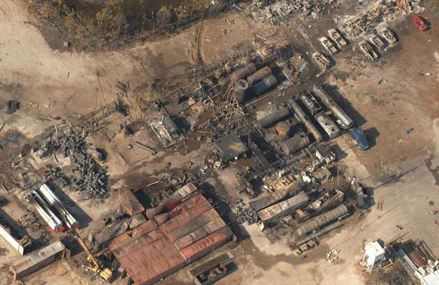 The explosion at T2 Laboratories damaged buildings within quarter mile of the facility, according to the U.S. Chemical Safety Bureau. Photo: John Pemberton, AP / The Florida Times-Union