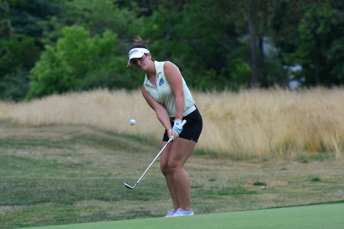 Bailey Cocca of Latham take a chip shot during the final round of the New York State Golf Association Women's Amateur on Friday, July 15, 2016, at the Elmira Country Club. Cocca won the titel in a playoff. (Andrew Hickey/NYSGA)