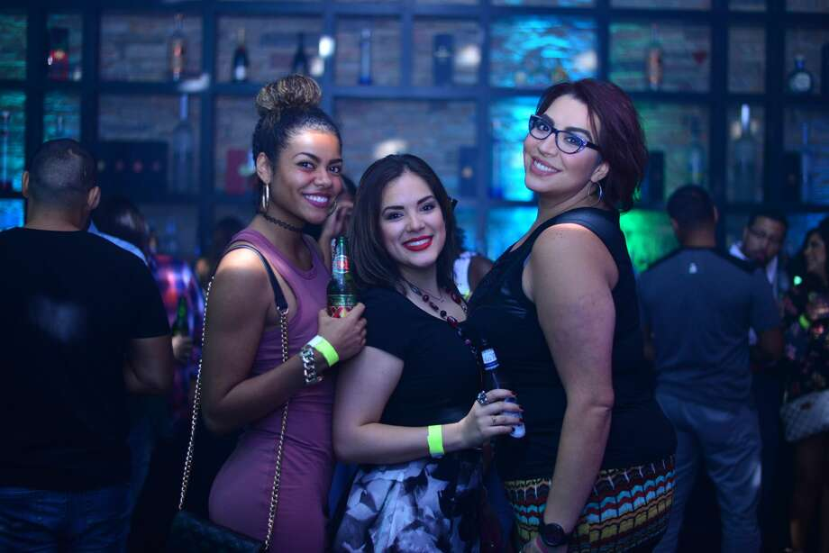 Fans pack Ultra Lounge Friday night, July 15, 2016, for a performance by legendary Texas rapper Bun B. Photo: By Kody Melton, For MySA.com