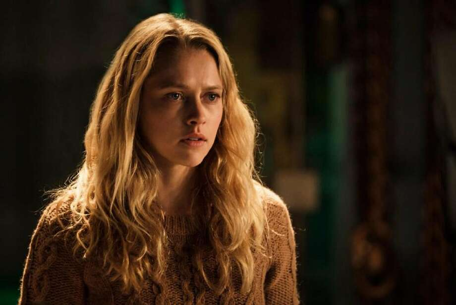 """In the smart horror film """"Lights Out,"""" Teresa Palmer is a woman with commitment problems Photo: Handout, TNS"""