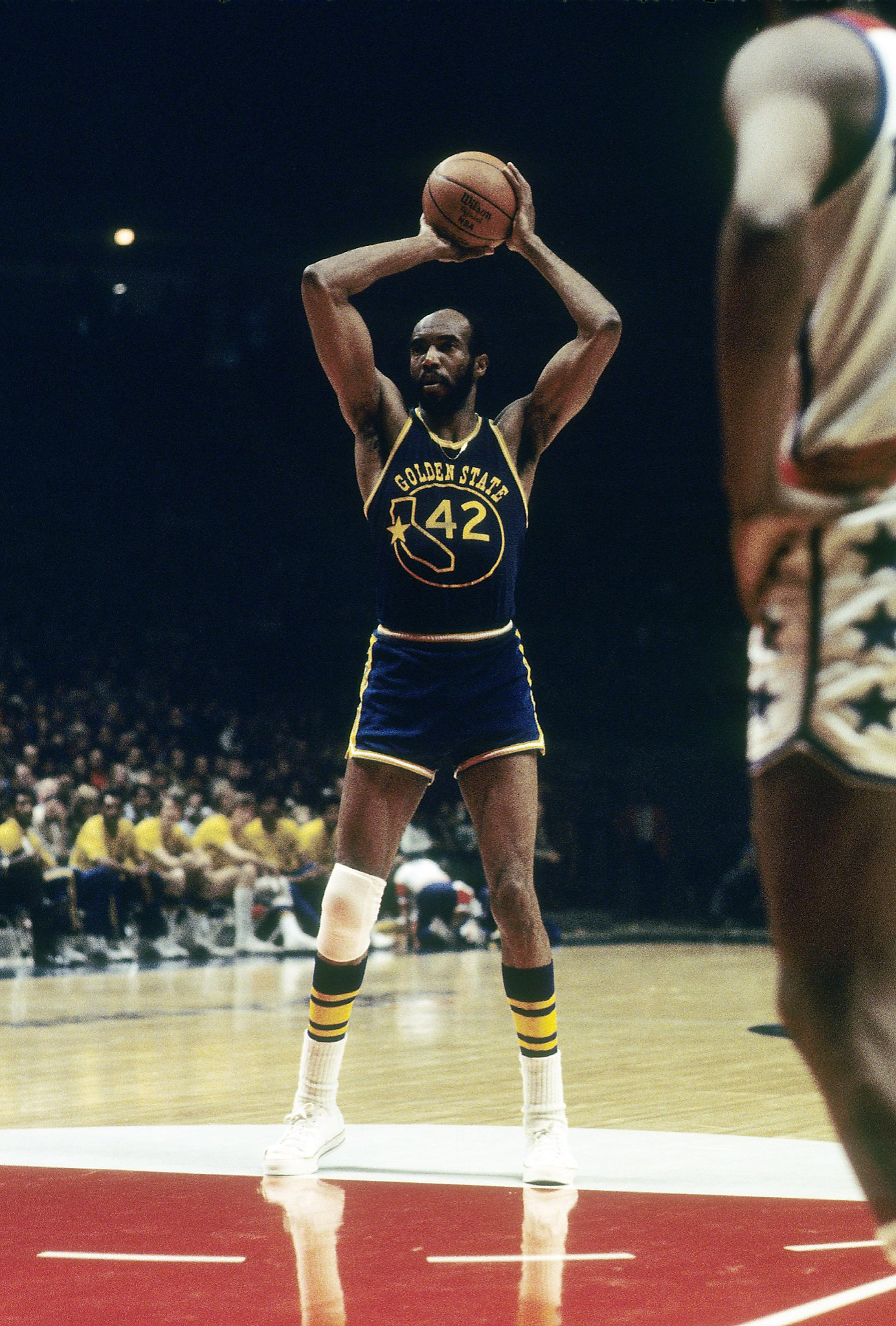 nba great nate thurmond  hall of fame center  dies at 74