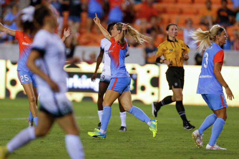 Houston Dash forward Kealia Ohai (7) celebrates after scoring in the second half as the Houston Dash beat the Portland Thorns FC 3-0 at BBVA Compass Stadium Saturday, July 16, 2016. Photo: Michael Ciaglo, Houston Chronicle / © 2016  Houston Chronicle