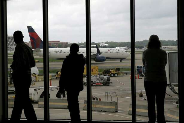 Most airlines have dropped bereavement fares; funerals are just one more last-minute trip. Among the largest U.S. airlines, only Delta Air Lines and Alaska Airlines still offer so-called bereavement fares. These fares may not be the cheapest, but they usually offer more flexibility to alter plans without a change fee.