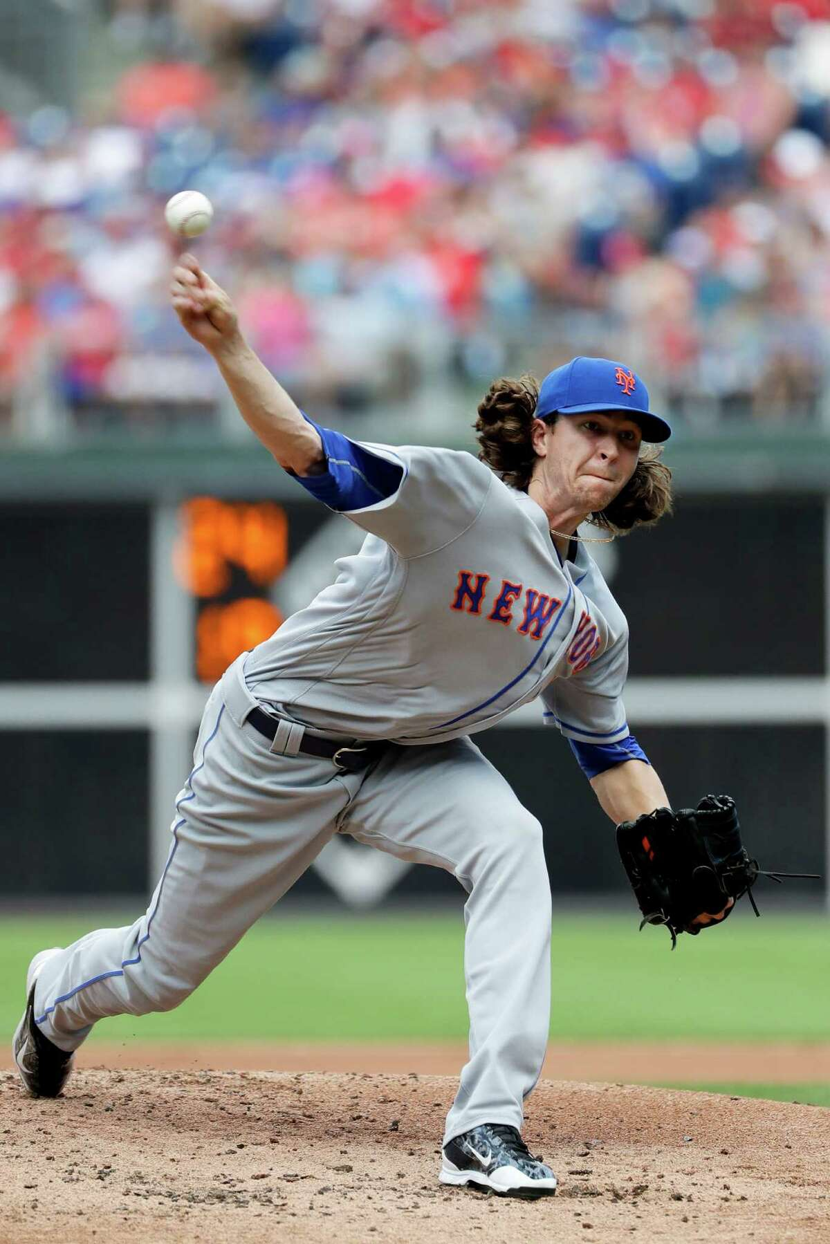 New York Mets' Jacob deGrom pitches during the first inning of a baseball game against the Philadelphia Phillies, Sunday, July 17, 2016, in Philadelphia. (AP Photo/Matt Slocum) ORG XMIT: PXS102