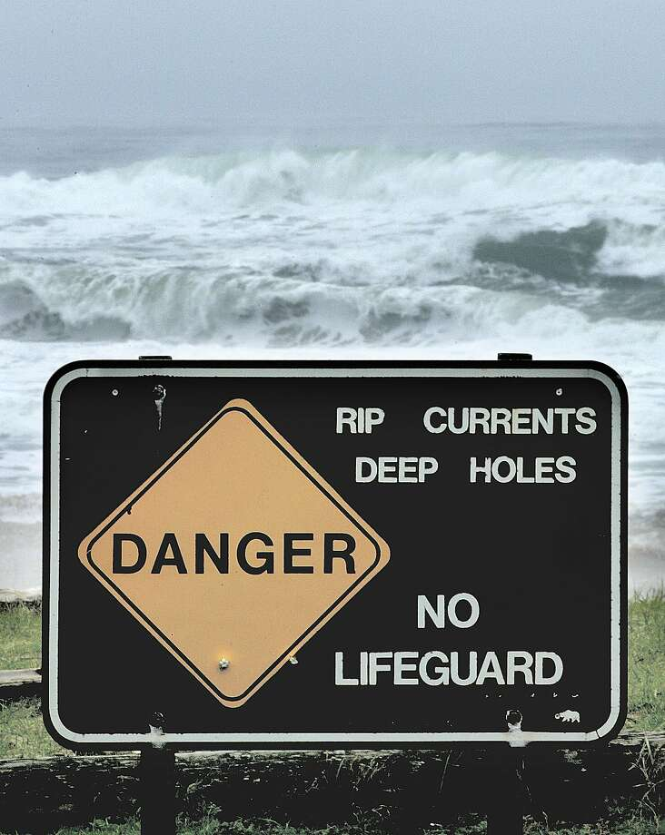 A lifeguard died while surfing at  Pomponio State Beach, south of Half Moon Bay on Sunday. Photo: MICHAEL MACOR, SFC