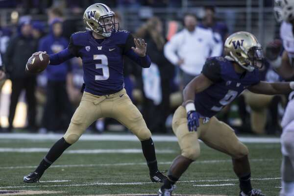 SEATTLE, WA - NOVEMBER 27: Quarterback Jake Browning #3 of the Washington Huskies passes the ball during a football game against the Washington State Cougars at Husky Stadium on November 27, 2015 in Seattle, Washington. The Huskies won the game 45-10. (Photo by Stephen Brashear/Getty Images)