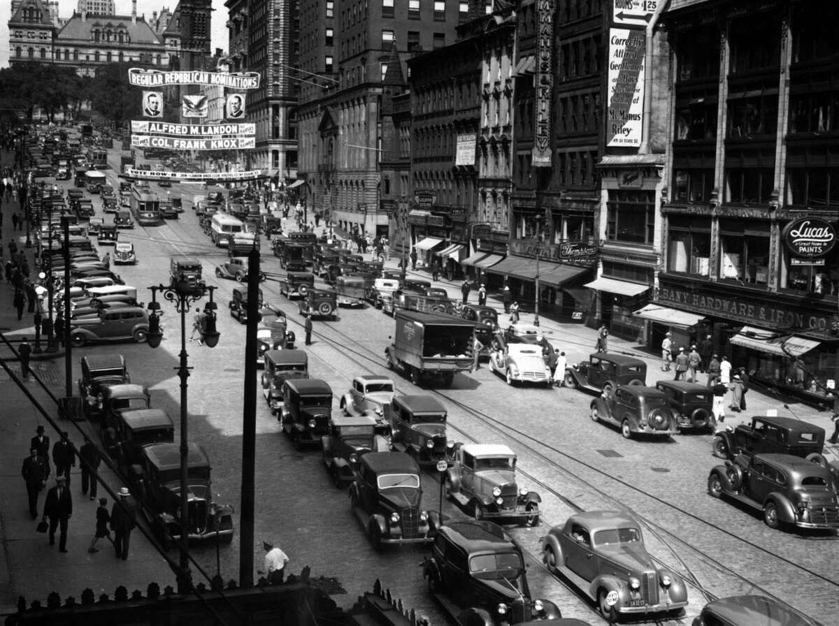 """1936: State St. in Albany, NY in 1936. Banner is the Republican presidential ticket for 1936 with Alfred Mossman """"Alf"""" Landon and William Franklin """"Frank"""" Knox. 1930s Historic streets and buildings. (Times Union archive) ORG XMIT: MER2015102010591559"""