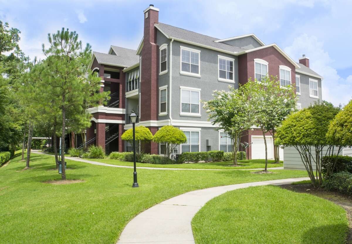 The Retreat at Cypress Station, a 296-unit apartment property at 18200 Westfield Place Drive near Interstate 45 and FM 1960, was built in 2004. (Institutional Property Advisors, a division of Marcus and Millichap photo)