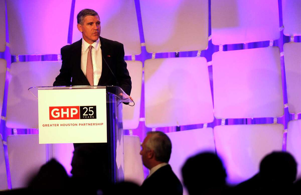 Paul Hobby, then-chairman of the board of the Greater Houston Partnership, speaks at an even in 2014. ( Johnny Hanson / Houston Chronicle )