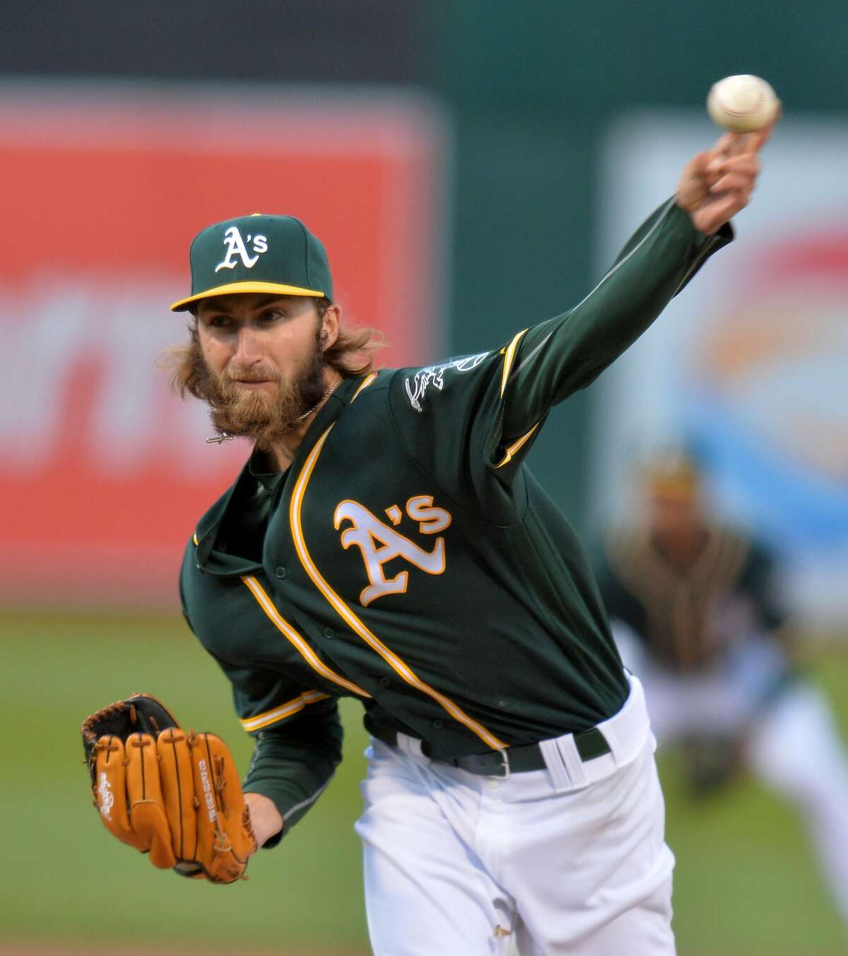 Oakland Athletics pitcher Dillon Overton works in the first inning against the San Francisco Giants at the Coliseum in Oakland, Calif., on Thursday, June 30, 2016. (Doug Duran/Bay Area News Group/TNS)