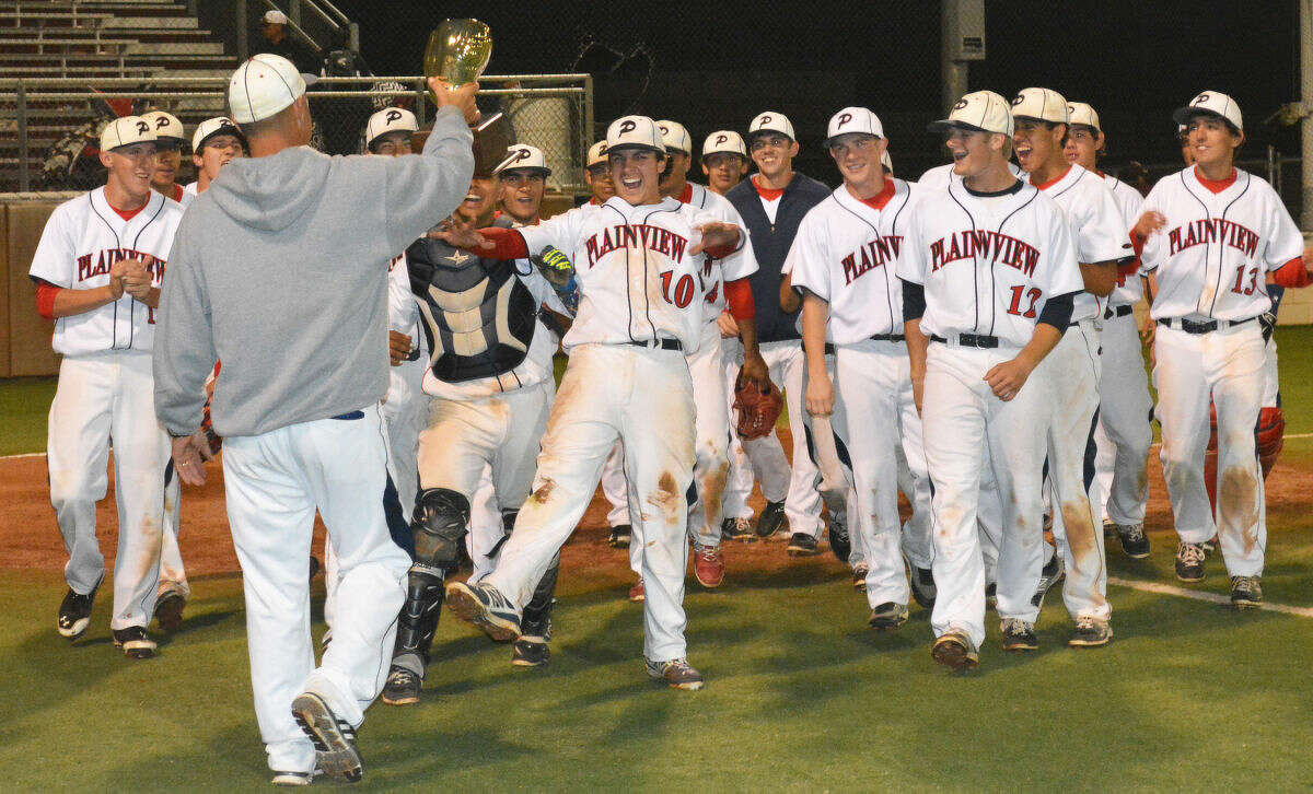 The Plainview Bulldog baseball team advanced to the regional semifinals during the spring season. They finished with a 26-11 record.
