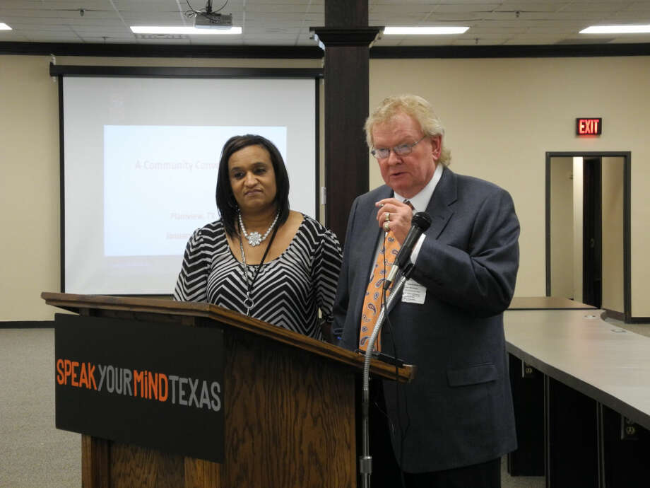 """CEO Ron Trusler and Mental Health Services Director Rhonda Jackson, both of Central Plains Center, were among presenters at """"Speak Your Mind Texas: A Community Conversation"""" on Tuesday. The discussion focused on teen mental health including problems with depression, suicide, bullying and school shootings. Photo: GAIL M. WILLIAMS   PLAINVIEW HERALD"""