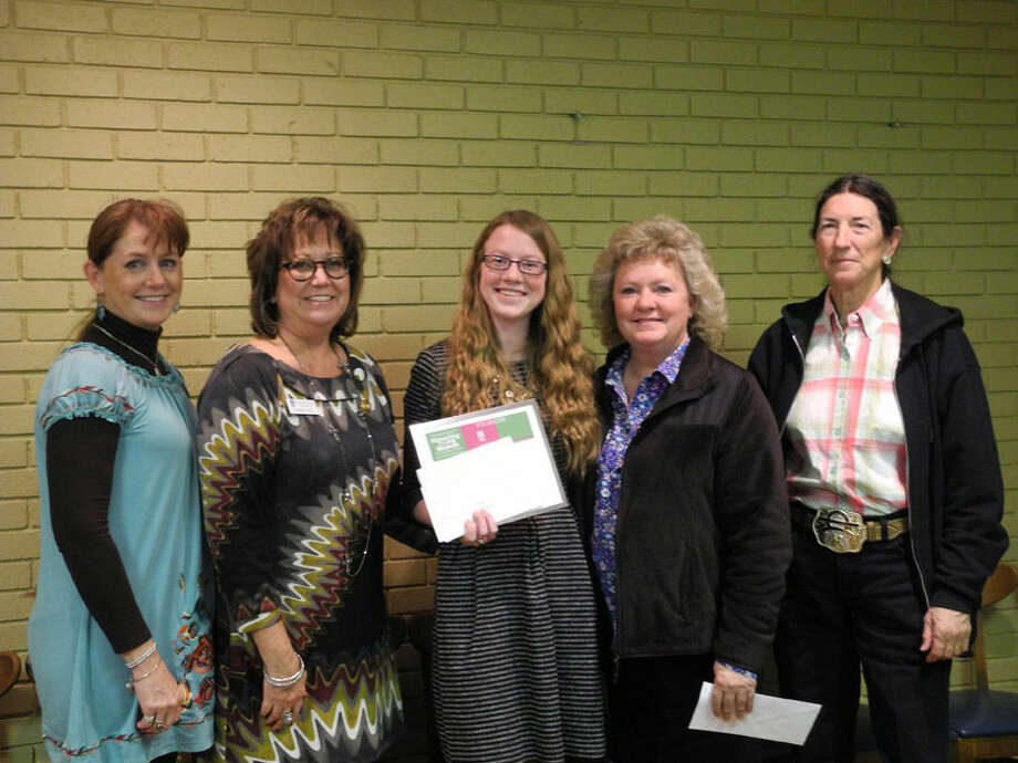 Amanda Curry presented the Violet Richardson Award to Colti Wright. Shown are Colti's mother Lisa Wright (left), Amanda Curry, Colti Wright, Beverly Wall and Sherri Cheyne.