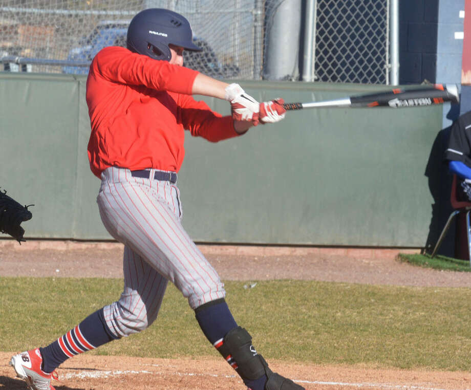 Plainview's Brennen Carreon takes a swing during a scrimmage earlier this season. The Bulldogs opened their regular season by splitting four games at the Socorro ISD Tournament in El Paso Thursday and Friday. Photo: Skip Leon/Plainview Herald