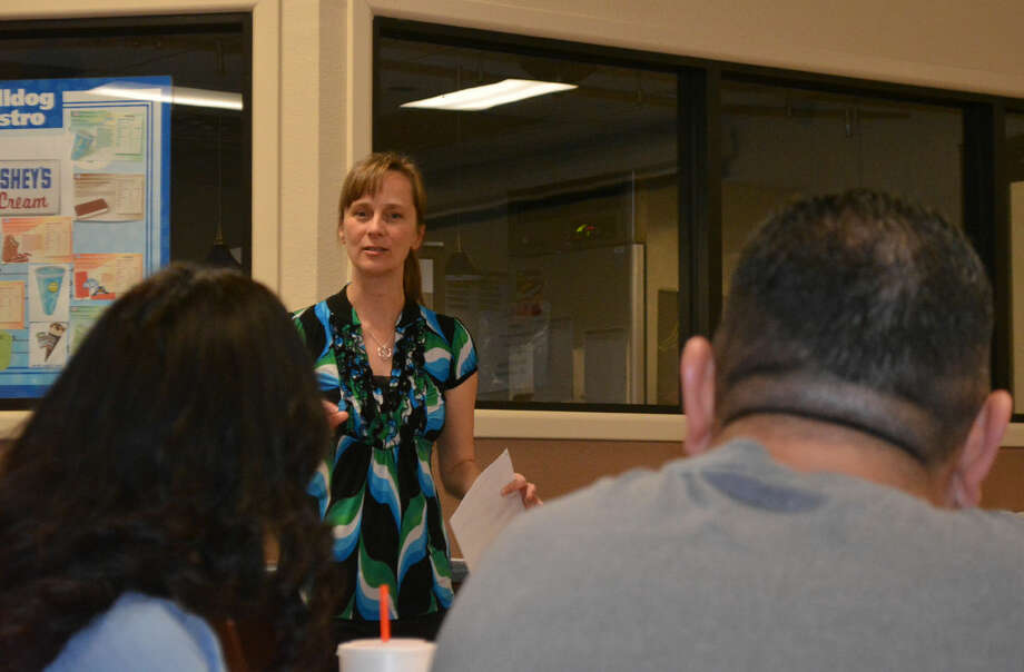 School Watchdogs Doug McDonough/Plainview Herald Kristy Jernigan, Plainview High School science teacher, outlines the new Bulldog Patrol during an orientation session Thursday. Parents, grandparents and other adults are encouraged to participate by being a presence on campus during high traffic times, including before and after school and at lunch. Patrols begin after spring break.