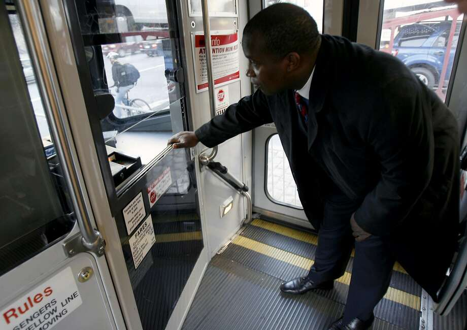 MTA director pays fare on Muni Metro; he knows the rules Photo: PAUL CHINN, SFC