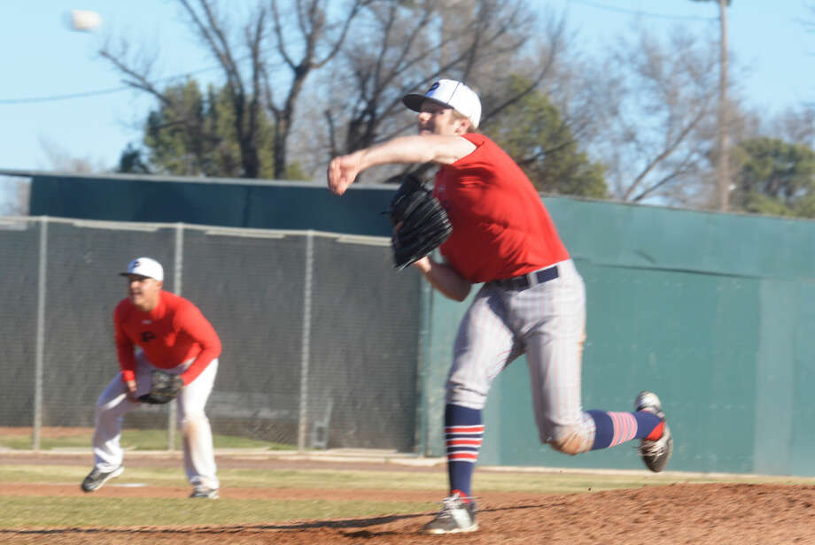 Plainview senior southpaw Ethan Earhart fashioned a two-hitter and struck out 14 as the Bulldogs opened District 4-5A play with a 10-0 victory at San Angelo Lake View. The game was stopped after six innings due to the 10-run rule. Photo: Skip Leon/Plainview Herald
