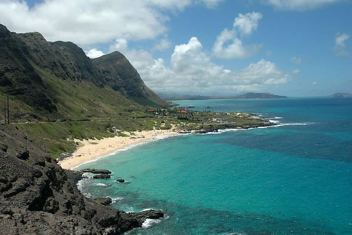 BEST STATES9. Hawaii10-yr. population growth: 15.6% (14th highest) Oct. unemployment rate: 3.2% (5th lowest) Poverty rate: 10.6% (7th lowest) Life expectancy at birth: 80.6 years (the highest)Source: 24/7 Wall St.