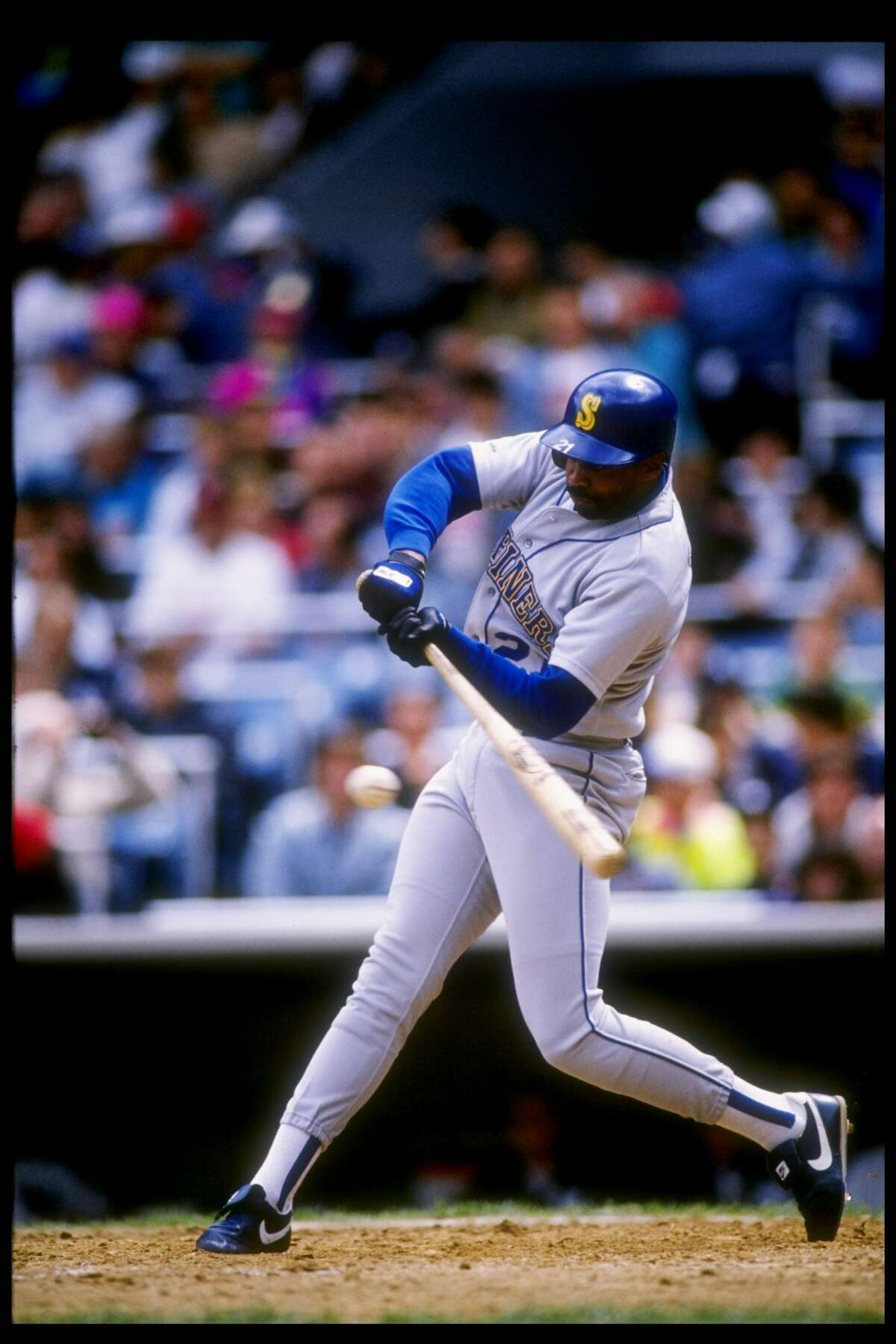 9. Alvin Davis, first baseman Stats in eight seasons: 1,166 games, .281/.381/.453, 1,163 hits, 160 home runs, 683 RBIs, one All-Star appearance, 1984 Rookie of the Year Davis provided a solid, everyday presence in the Mariners lineup. He played in at least 135 games every season and maintained a batting average between .271 and .305 every year but one. He was considered a smart ballplayer, leading the league in sacrifices one year and working the fourth-highest total of walks (672) in franchise history despite playing far fewer games than his teammates. Davis ranks in the top six of nearly every major Mariners hitting category.