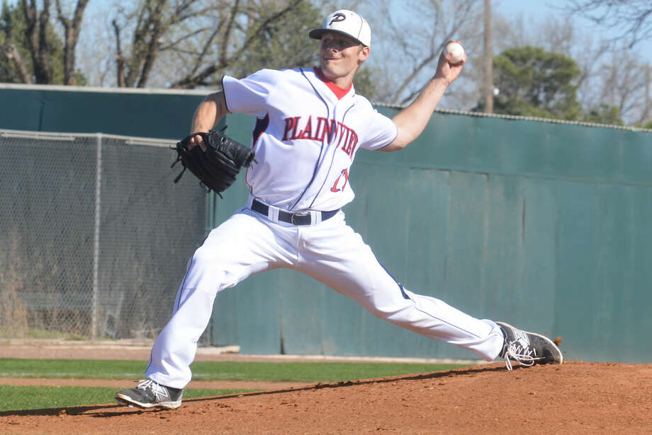 Plainview's Ethan Earhart fires a pitch toward the plate during a game earlier this season. The southpaw twirled a two-hitter and struck out six as the Bulldogs defeated Lubbock High, 12-1, Tuesday in Lubbock to improve their District 4-5A record to 5-2. Photo: Skip Leon/Plainview Herald