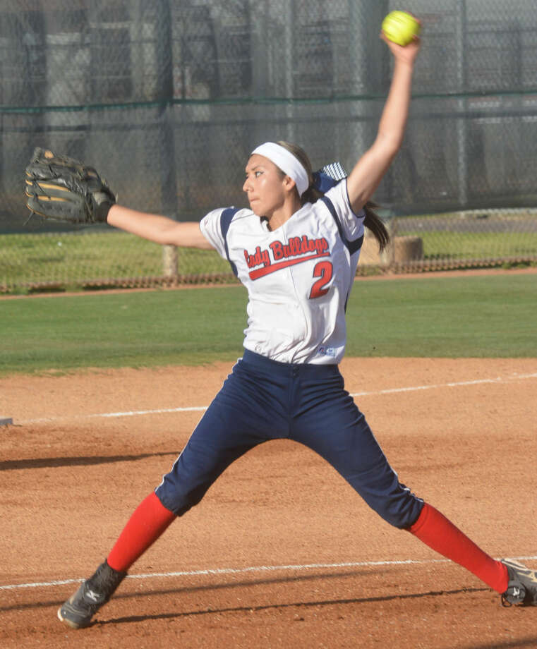 Plainview's Criselda Luna fires a pitch during a victory over Lubbock High Tuesday. Luna knocked in six runs with a grand slam homer and two-run double and was 3-for-3 to lead the Lady Bulldogs to a 10-6 victory. Photo: Skip Leon/Plainview Herald
