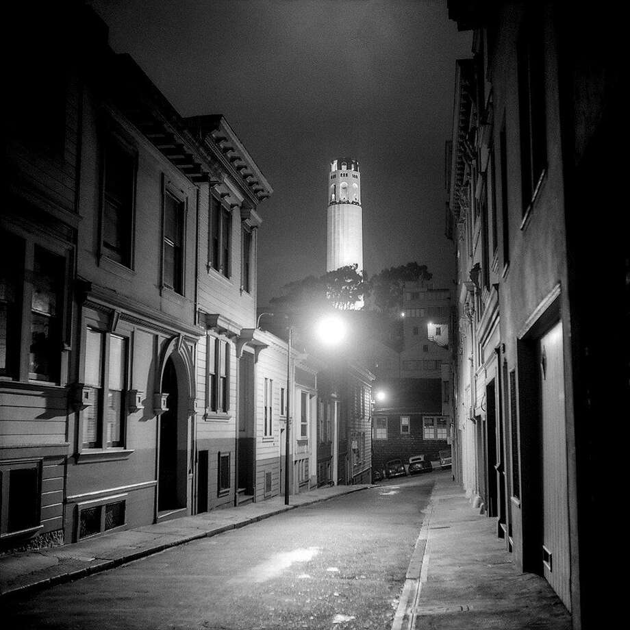 Castle Street, Coit Tower, 1947, � Fred Lyon, Courtesy Peter Fetterman Gallery