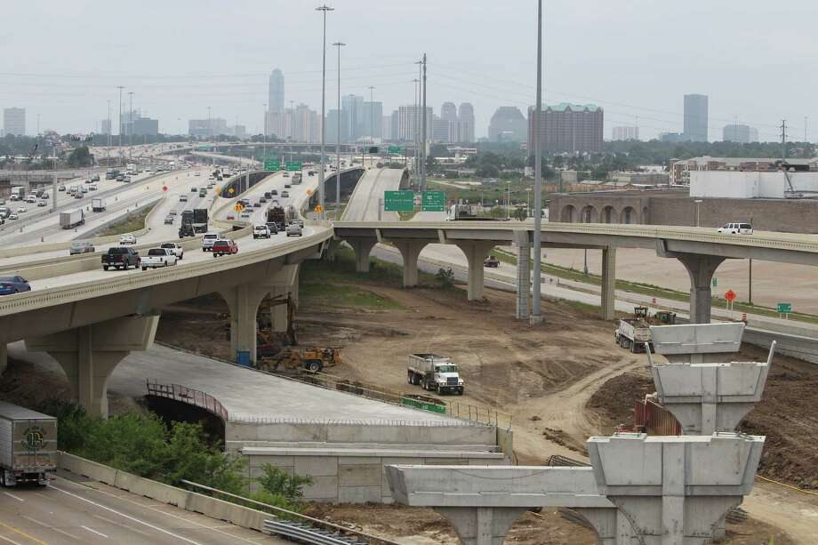 An overview of the TxDOT construction of U.S. 290 and Loop 610 on May 11, 2016. Photo: Steve Gonzales / © 2016 Houston Chronicle