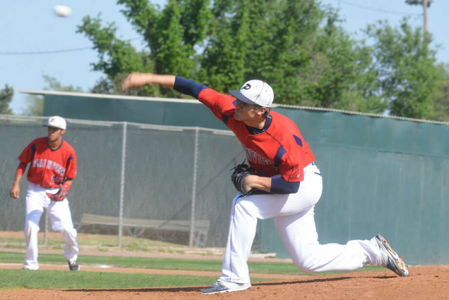 Plainview's Paxstyn Oldfield fires a pitch during a game this season. The senior right-hander has been the Bulldogs' top pitcher this season and will be counted on in the team's bi-district playoff series against Hereford, which begins with a doubleheader today at 5 p.m. in Littlefield. Photo: Skip Leon/Plainview Herald