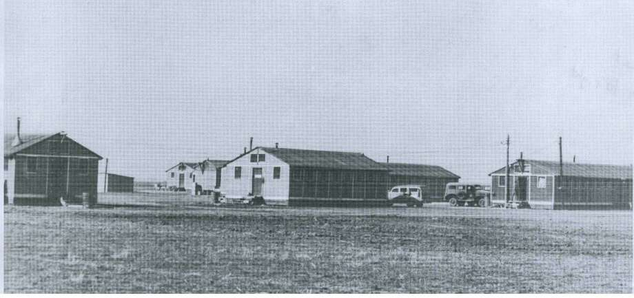 Plainview Pre-Glider School at Finney Field, north of Plainview, in 1942, was operated by Clent Breedlove under military contract and used to train combat glider pilots for World War II.