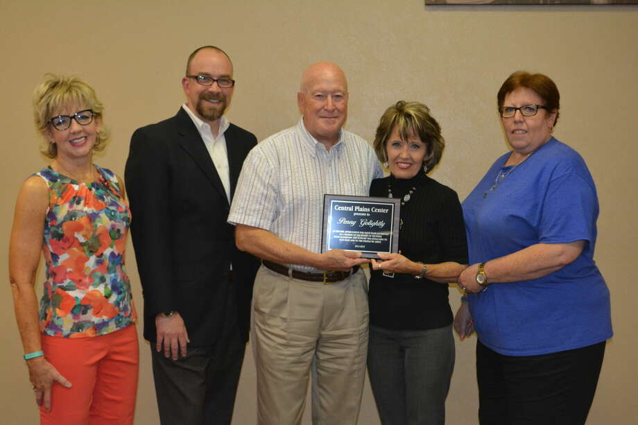 Retiring Board MemberDoug McDonough/Plainview HeraldAfter four years on the Central Plains Center board, former Floyd County Judge Penny Golightly was recognized for her service with a plaque of appreciation, presented by Ron Gammage, Hale County's board representative. On hand for Tuesday's presentation are Central Plains Center staff members Kay Brotherton (left), Jason Johnson, Gammage, Golightlly and Caren Smith. The agency serves a nine-county area with counseling, mental health, intellectual and developmental disabilities, substance abuse, marriage and family, and related services.