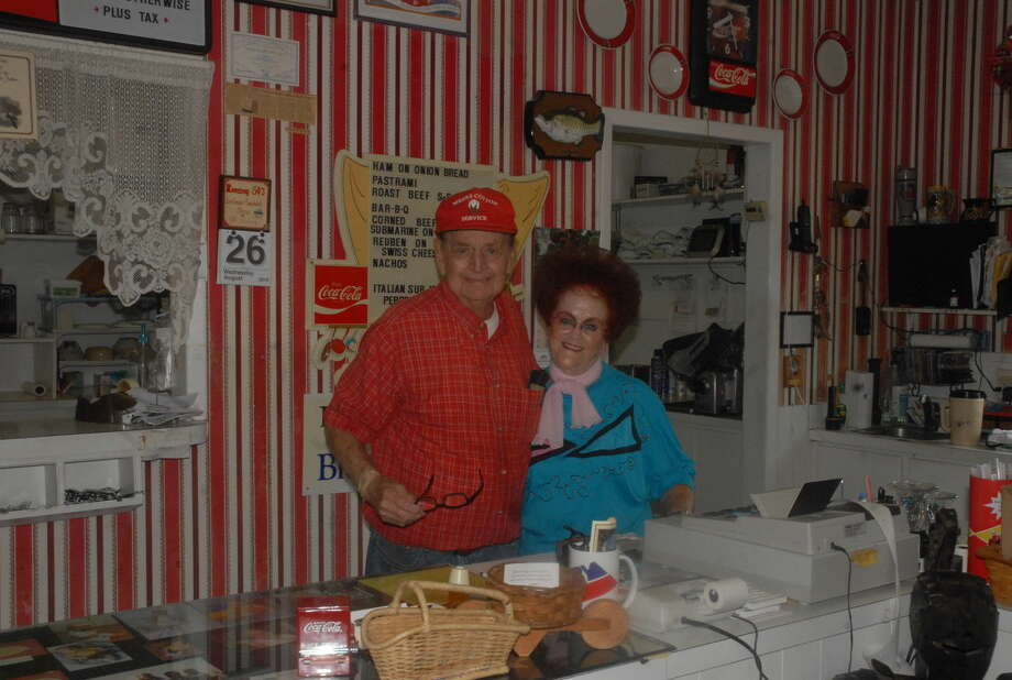 Owners of the Roaring 50's Richard and Mary Lee Van Kluyve prepare to close their restaurant at the end of the week after more than 30 years of service in Plainview. Photo:  Homer Marquez/Plainview Herald