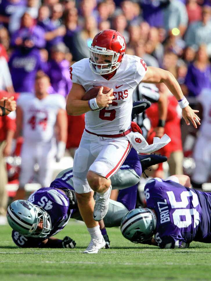 If Heisman hopeful QB Baker Mayfield, left, and Oklahoma are to defend their Big 12 championship, they will need help from star running back Samaje Perine.