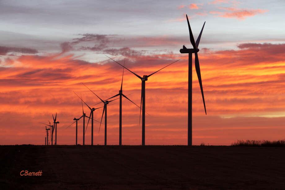 Turbines near Lockney on the morning of Wednesday, Dec. 9, 2015, by Connie Barnett Photo: Connie Barnett