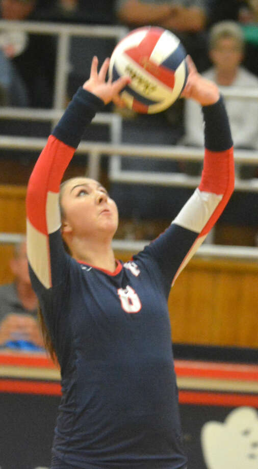 Plainview's Taryn Garza sets the ball to a hitter in a volleyball match earlier this season. The Lady Bulldogs were beaten by Randall in the bi-district round of the playoffs Tuesday night. Garza, a sophomore, is one of numerous players who will return for Plainview next year. Photo: Skip Leon/Plainview Herald