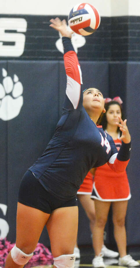 Plainview's Jackie Perez serves the ball during a volleyball match earlier this season. The Lady Bulldogs will play a bi-district match at Randall Tuesday at 7 p.m. Photo: Skip Leon/Plainview Herald