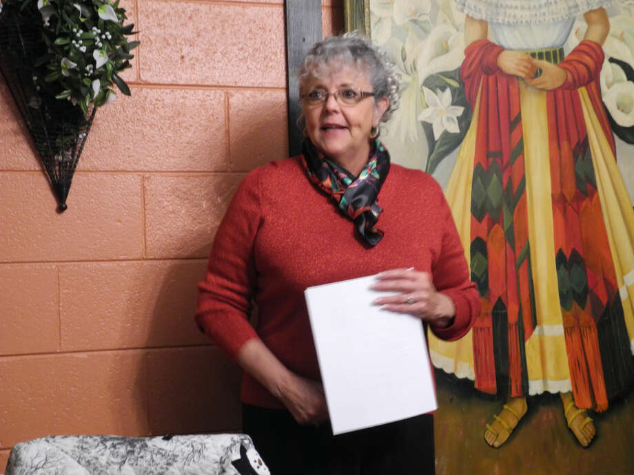 "Linda Reed researched Christmas traditions and presented the topic ""Do Your Holiday Traditions Reveal Your Heritage"" at a joint meeting of the Hi-Plains Genealogical Society and the Hale County Historical Commission last week. Photo: Gail M. Williams 